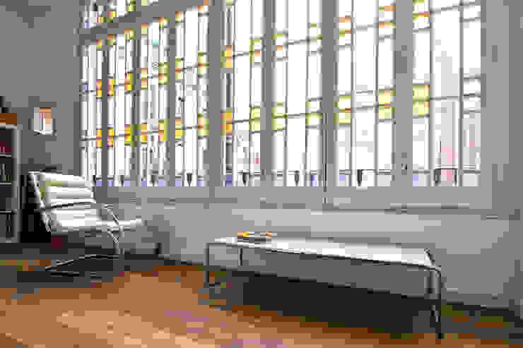 """Rehabilitación de Piso en el """"Eixample"""" de Barcelona Balcones y terrazas de estilo ecléctico de IF arquitectos Ecléctico"""