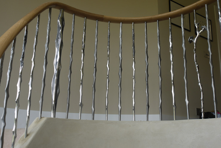 Newbury Classic style corridor, hallway and stairs by Zigzag Design Studio (Sculptural Structures) Classic