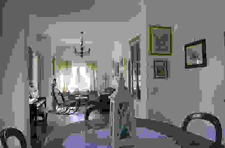 Vista generale del salone Soggiorno classico di Studio di Architettura Zuppello Classico
