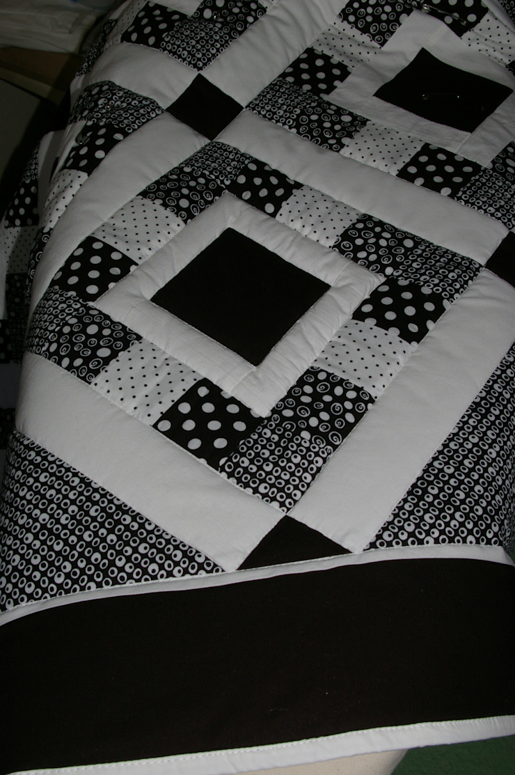 Detail: modern  by Lilliputquilts, Modern