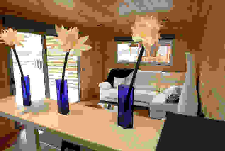 Casas Natura Ruang Keluarga Modern