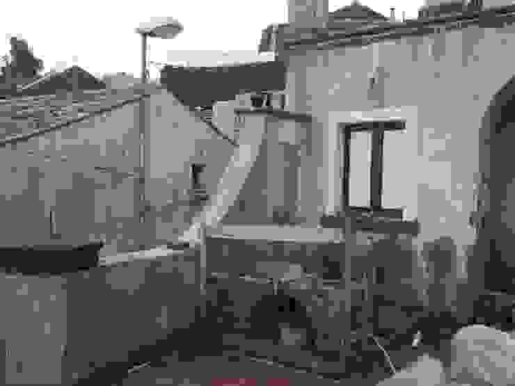Barbecue e lavabo Case in stile mediterraneo di Antonio Torrisi Mediterraneo