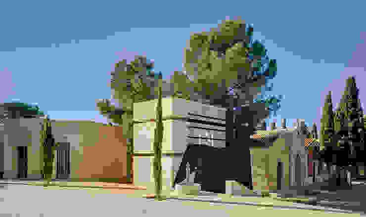 Panteón para un Ingeniero Casas de estilo moderno de MARTINEZ VIDAL ARQUITECTOS Moderno