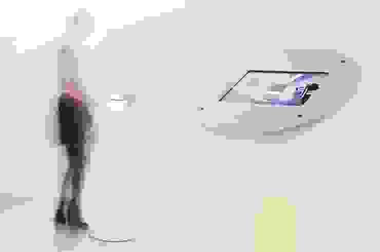 iPad stand: modern  by ZILBERS DESIGN, Modern