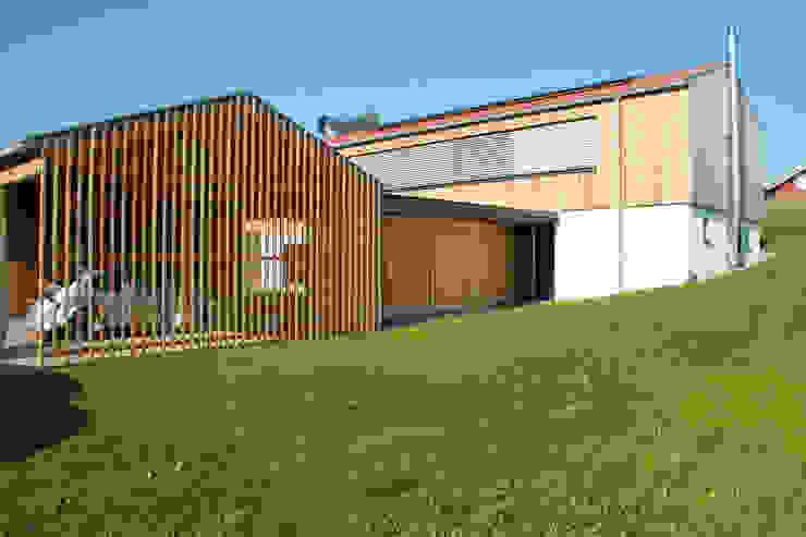 traditionell modern bauen Moderne Häuser von Arc Architekten Partnerschaft Modern