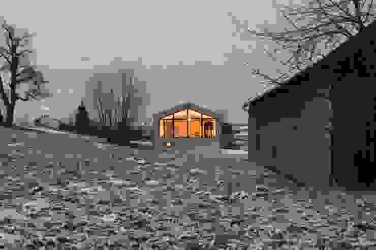 Blick von Süden Moderne Häuser von Arc Architekten Partnerschaft Modern