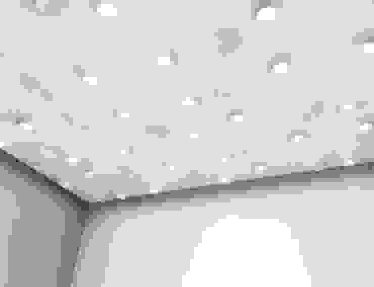 Drop Drop ceiling panels: minimalist  by ZILBERS DESIGN, Minimalist