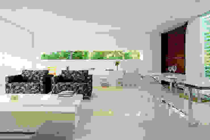 Livings de estilo moderno de dantasbento | Arquitetura + Design Moderno