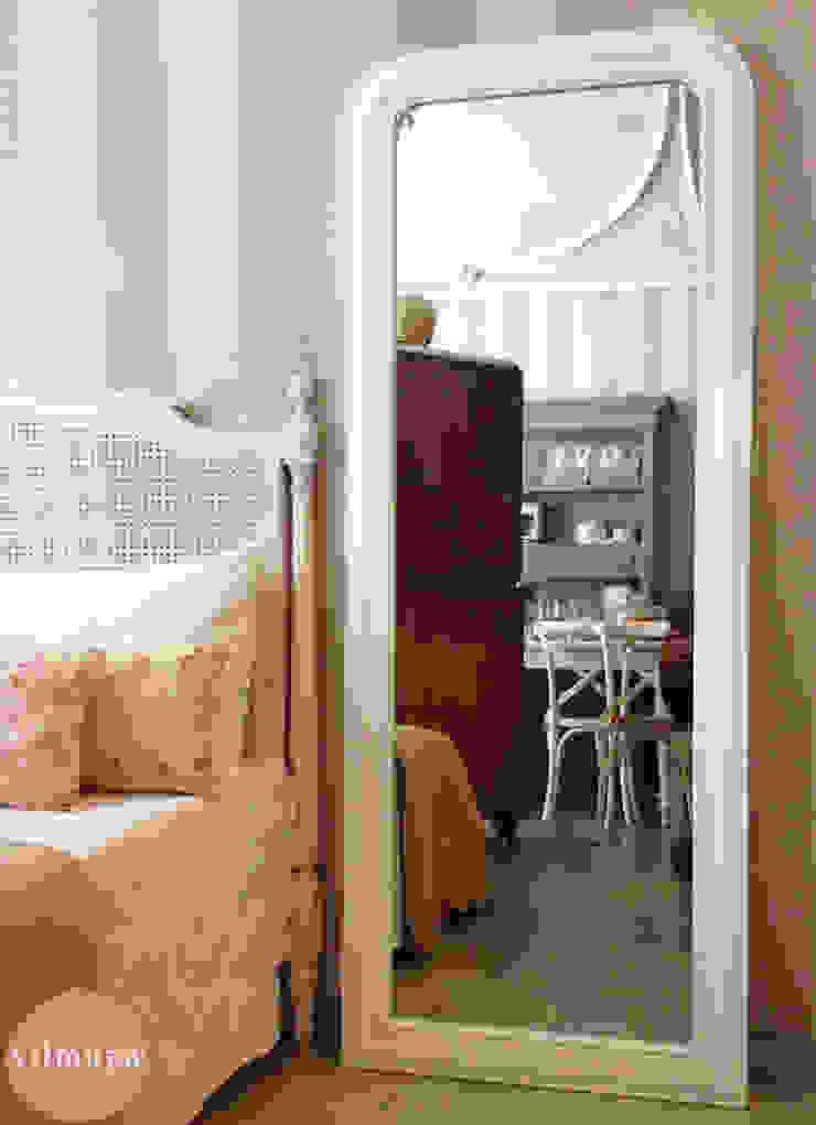 Espejo de madera vestidor blanco de Vilmupa Clásico