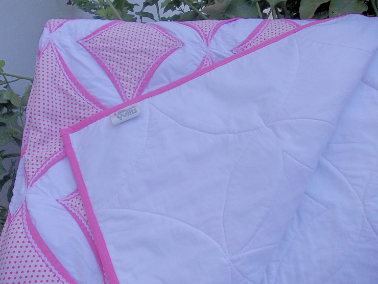 Revers side of quilt: classic  by Lilliputquilts, Classic