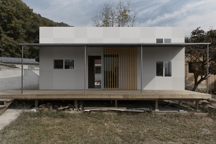 부여 작은집 / Buyeo Small House 러스틱스타일 주택 by lokaldesign 러스틱 (Rustic)