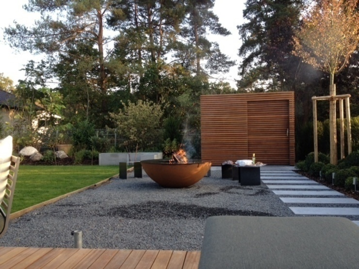 Terraços  por Fellbacher Metall- und Holzbau GmbH , Moderno