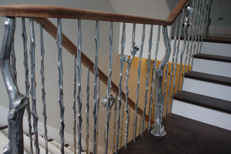 'Rose & Thorn' sculptural balustrading from our nature range Modern corridor, hallway & stairs by Zigzag Design Studio (Sculptural Structures) Modern