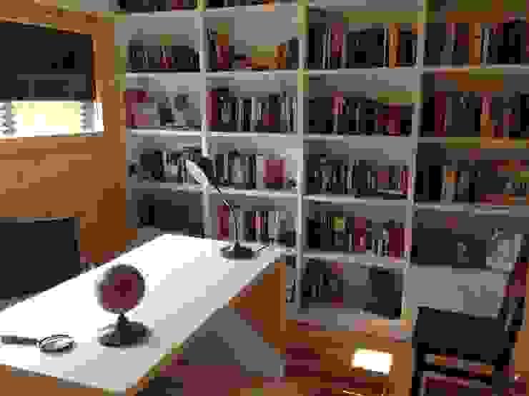 Studio moderno di Casas Natura Moderno