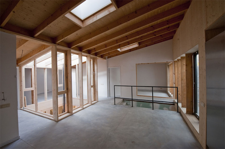 Limite Collective Housing + Art Studios Modern living room by SHSH Architecture + Scenography Modern
