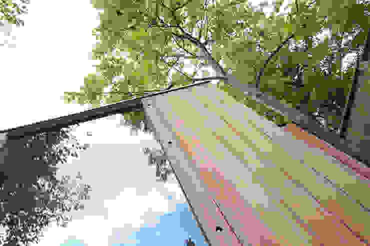 cladding / glazing detail Modern garden by 3rdspace Modern