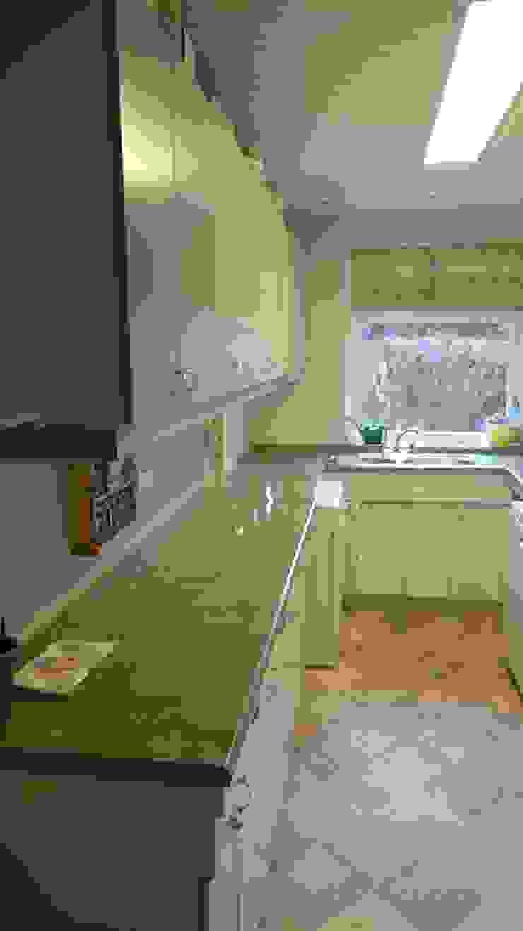 Kitchen worktops and sink before makeover の The Kitchen Makeover Shop Ltd
