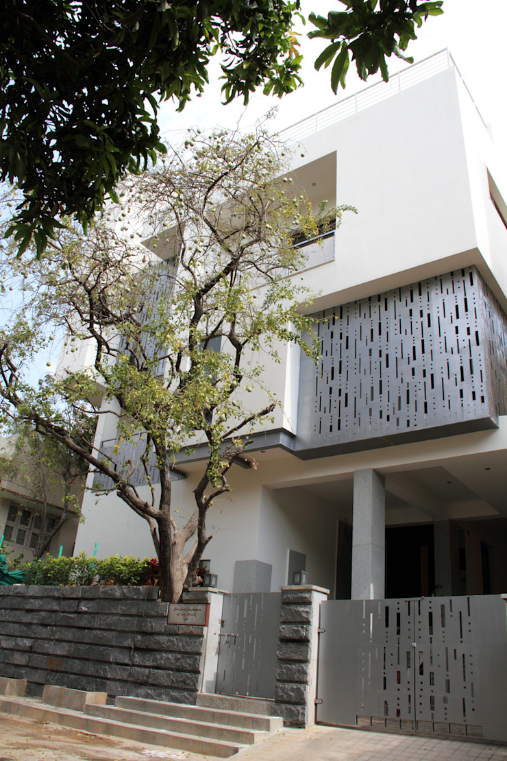 ANAND RESIDENCE Modern houses by Muraliarchitects Modern