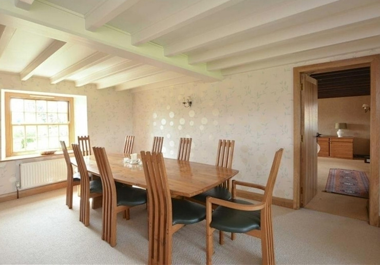 Turner ten seater dining table and chairs : country  by Lee Sinclair Furniture, Country