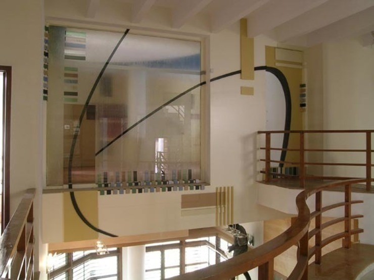 ANWAR SALEEM RESIDENCE Modern corridor, hallway & stairs by Muraliarchitects Modern