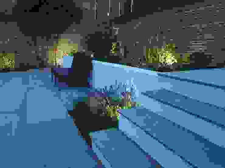 Subtle Planting Mediterranean style garden by Borrowed Space Mediterranean