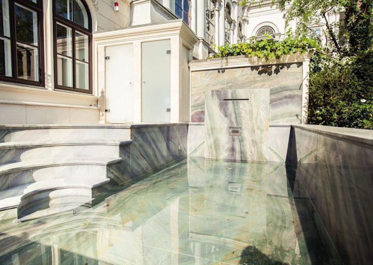Colonial style pool by SCHUBERT STONE GmbH Colonial