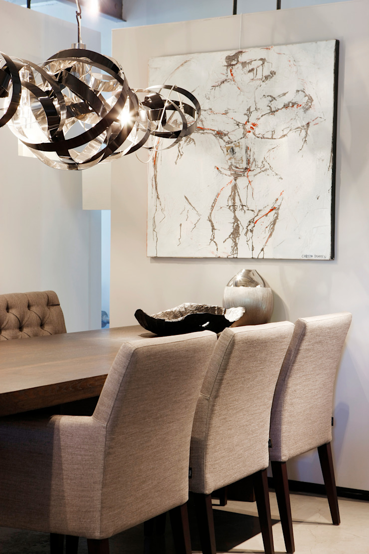 Showroom: modern  door huis van strijdhoven, Modern