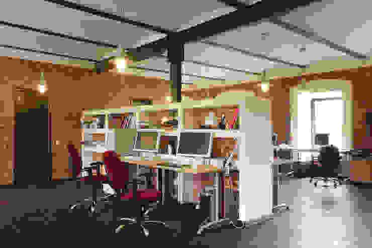 Рабочая зона в лофт офисе от ODEL Лофт Кирпичи