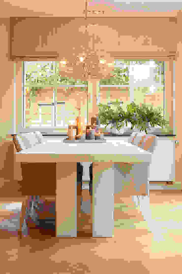 Project Mantel Moderne eetkamers van huis van strijdhoven Modern