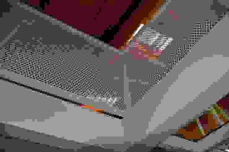 Moderner Flur, Diele & Treppenhaus von Alessandro Jurcovich Architetto Modern