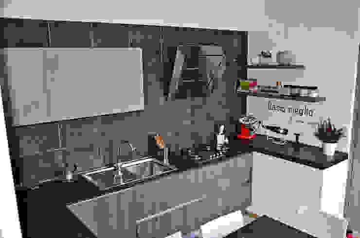 Recupero di un rustico Cucina moderna di Alessandro Jurcovich Architetto Moderno
