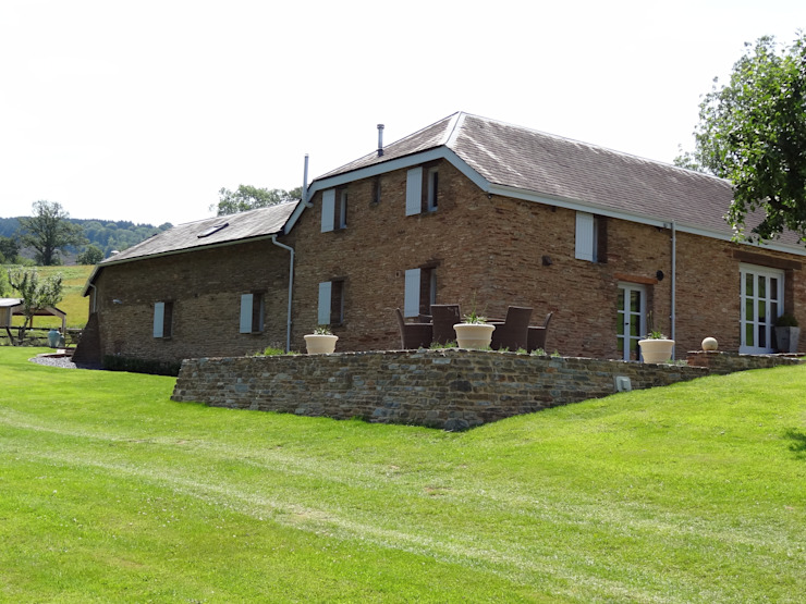 Barn conversion Somerset - Main viewing terrace Country style balcony, veranda & terrace by Laurence Maunder Garden Design & Consultancy Country
