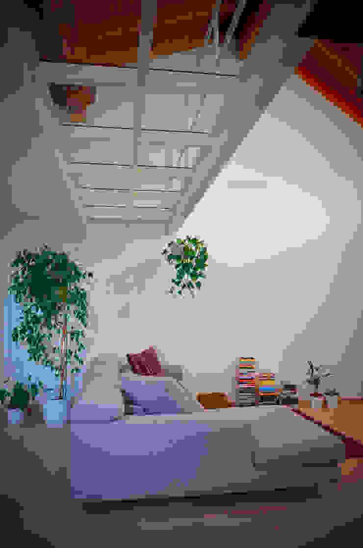 Moderne Wände & Böden von Alessandro Jurcovich Architetto Modern