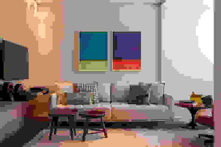 Living room by Nara Cunha Arquitetura e Interiores,