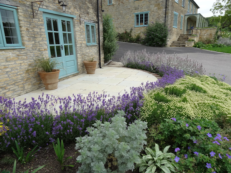Somerset Farmhouse - Cottage garden Country style balcony, veranda & terrace by Laurence Maunder Garden Design & Consultancy Country