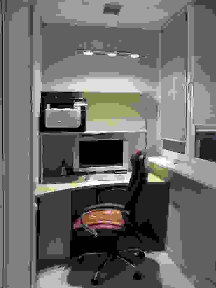 Квартира с мужским характером Балкон и терраса в стиле минимализм от Дизайн-студия Идея Минимализм