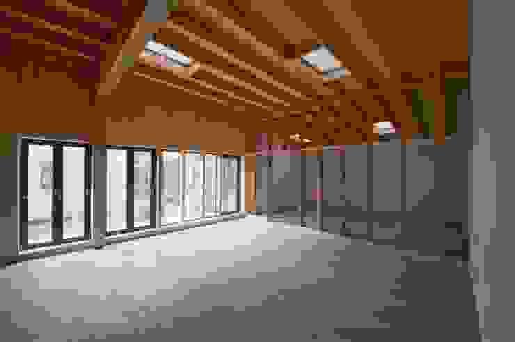 Lmite, Artist Studio Modern spa by SHSH Architecture + Scenography Modern