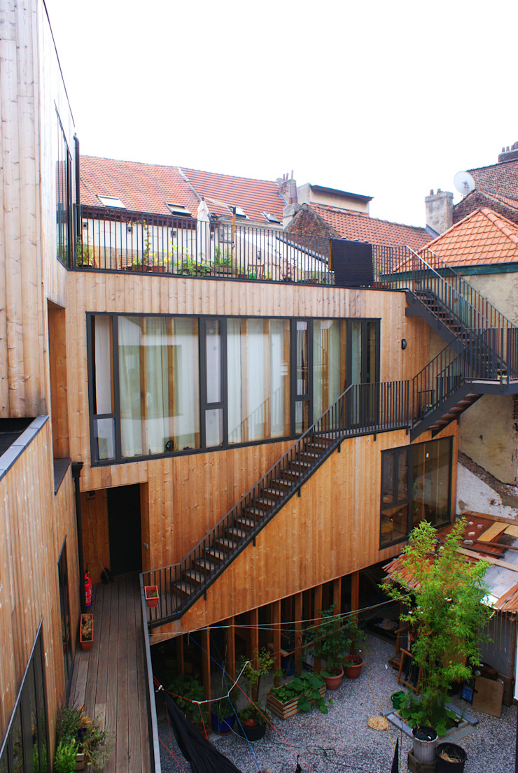 Limite Collective Housing Courtyeard Modern houses by SHSH Architecture + Scenography Modern