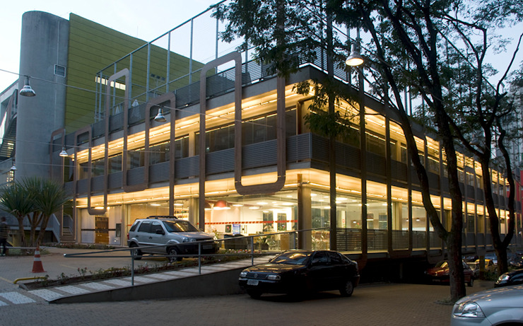 Academia Competition – unidade Paulista | Rua Cincinato Braga Espaços comerciais modernos por ARQdonini Arquitetos Associados Moderno