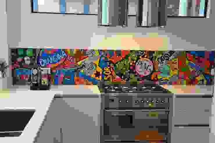 Kitchen oleh Atelier LouiseM