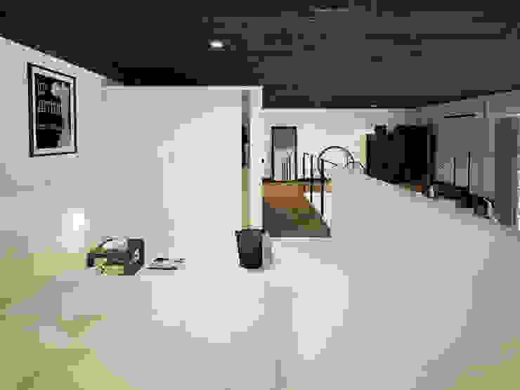 ofdesign Oskar Firek Loft Apartment antresola/sypialnia Minimalistyczna sypialnia od OFD architects Minimalistyczny