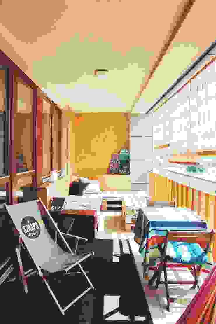 ofdesign Oskar Firek Plywood Warsaw balkon Minimalistyczny balkon, taras i weranda od OFD architects Minimalistyczny