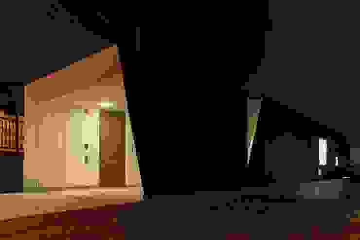 HMN residence 01 モダンな 家 の 浅香建築設計事務所 asaka architectural design モダン