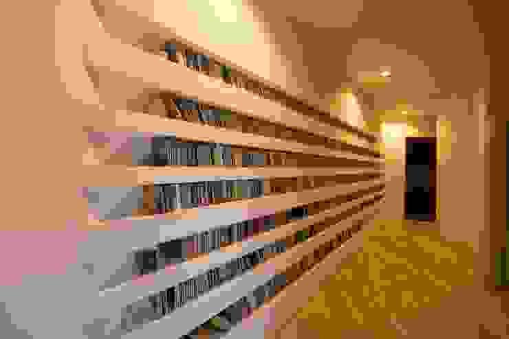 HMN residence 06 モダンデザインの リビング の 浅香建築設計事務所 asaka architectural design モダン