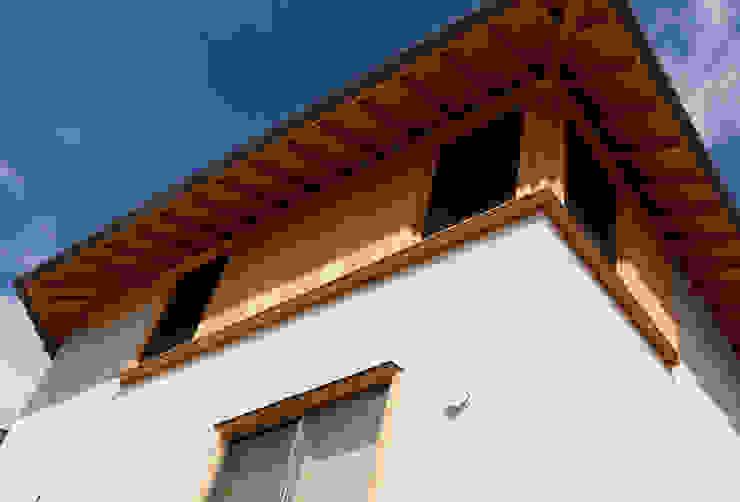 N House カントリーな 窓&ドア の 磯村建築設計事務所 カントリー