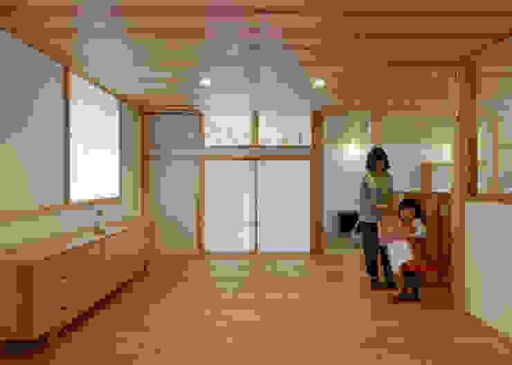 N House モダンデザインの 子供部屋 の 磯村建築設計事務所 モダン