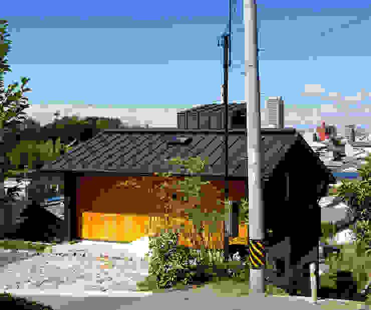 Modern houses by 磯村建築設計事務所 Modern