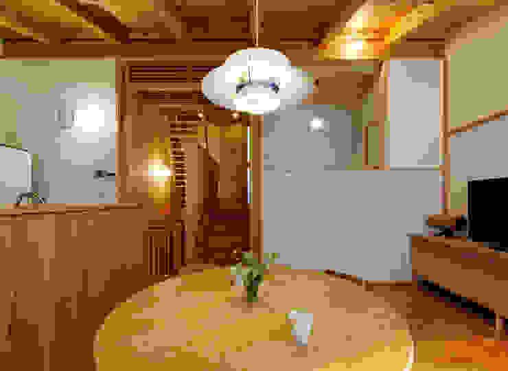 IR House モダンデザインの ダイニング の 磯村建築設計事務所 モダン