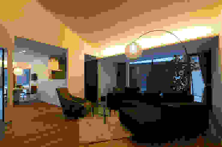 YMT residence 05 モダンデザインの リビング の 浅香建築設計事務所 asaka architectural design モダン