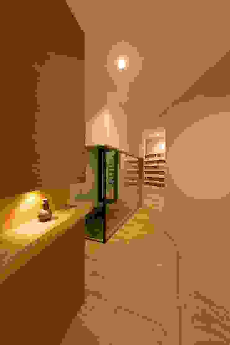 HMN residence 07 モダンスタイルの 玄関&廊下&階段 の 浅香建築設計事務所 asaka architectural design モダン